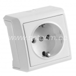 Socket single earthed Vera white